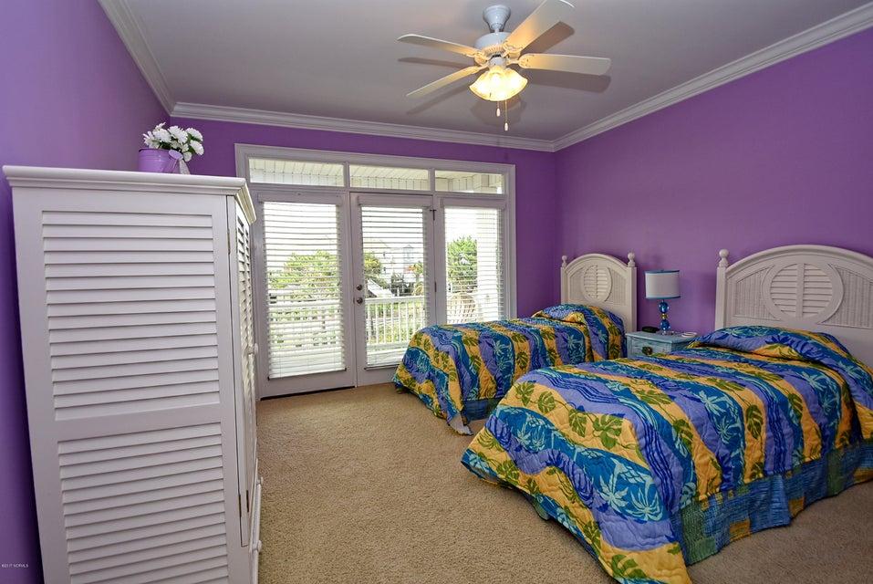 West Ocean Palms Real Estate - http://cdn.resize.sparkplatform.com/ncr/1024x768/true/20170623222710367249000000-o.jpg