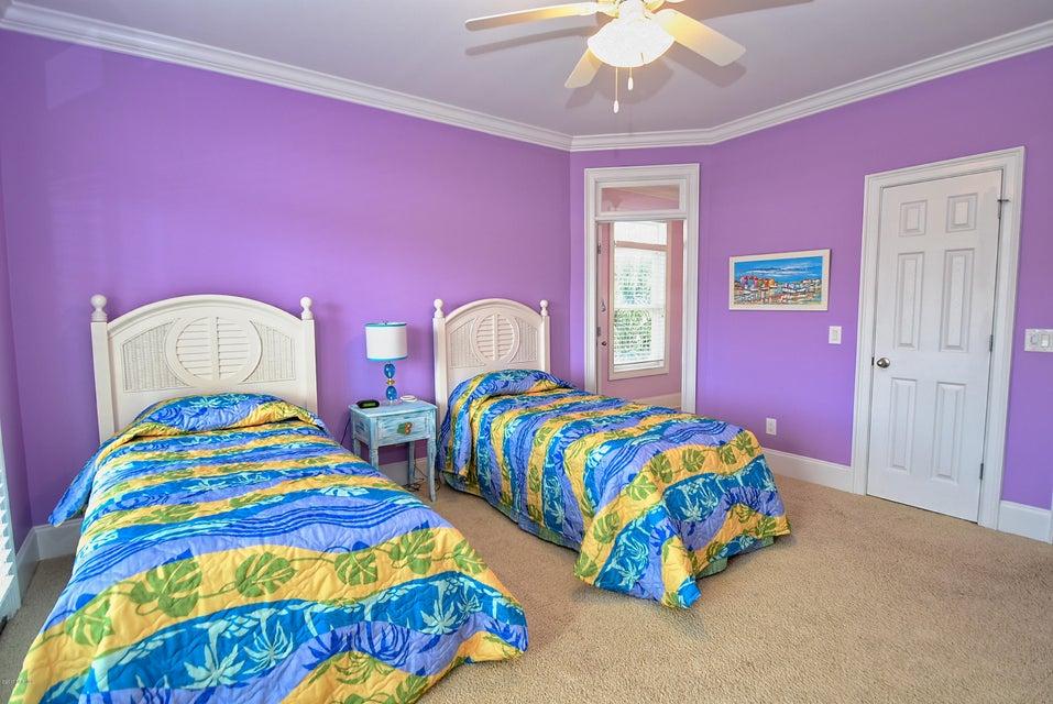 West Ocean Palms Real Estate - http://cdn.resize.sparkplatform.com/ncr/1024x768/true/20170623222806367451000000-o.jpg