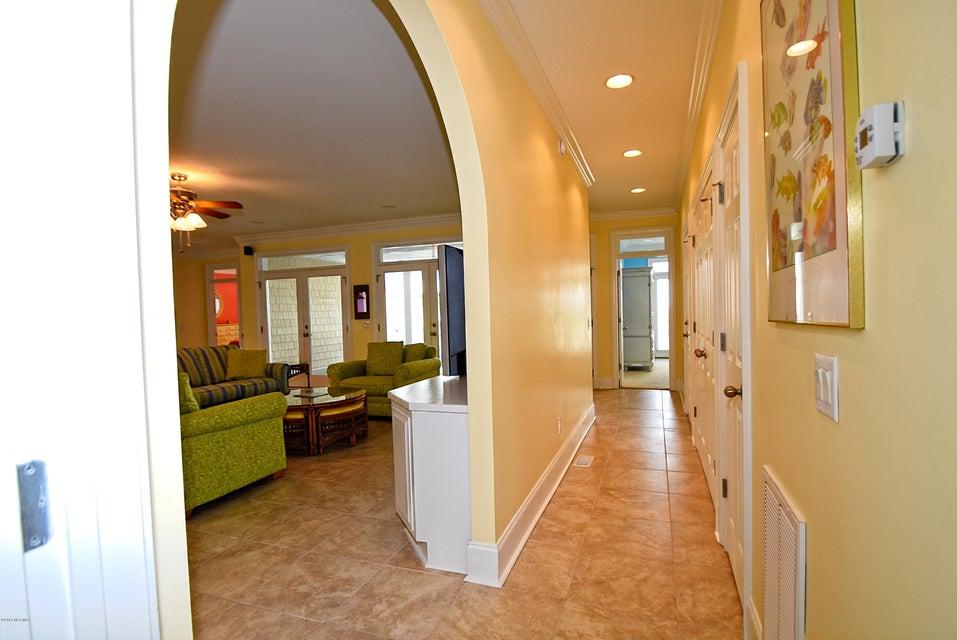 West Ocean Palms Real Estate - http://cdn.resize.sparkplatform.com/ncr/1024x768/true/20170623223327938813000000-o.jpg