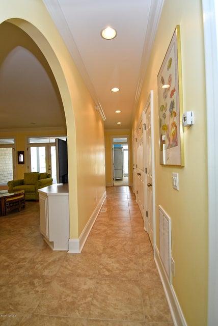 West Ocean Palms Real Estate - http://cdn.resize.sparkplatform.com/ncr/1024x768/true/20170623223414695536000000-o.jpg