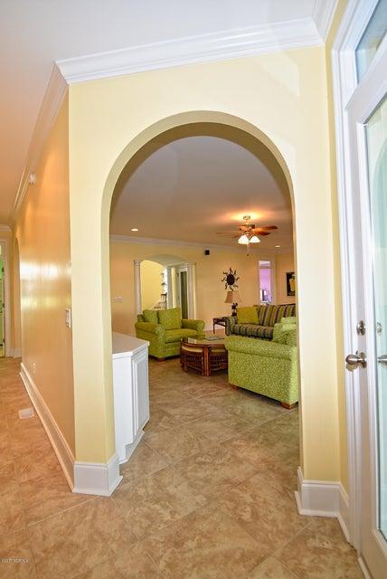 West Ocean Palms Real Estate - http://cdn.resize.sparkplatform.com/ncr/1024x768/true/20170623223851001150000000-o.jpg