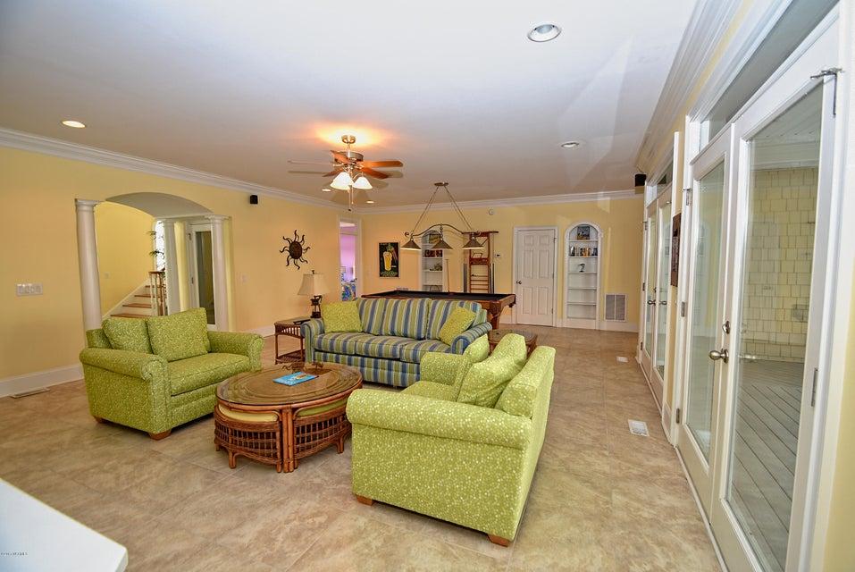 West Ocean Palms Real Estate - http://cdn.resize.sparkplatform.com/ncr/1024x768/true/20170623223935188745000000-o.jpg