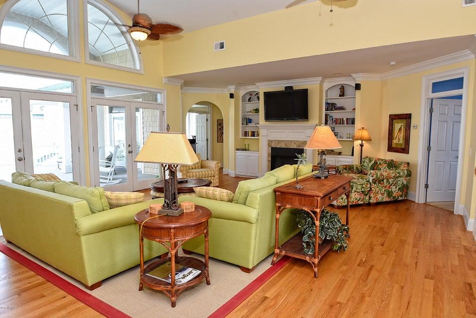 West Ocean Palms Real Estate - http://cdn.resize.sparkplatform.com/ncr/1024x768/true/20170623230253000755000000-o.jpg