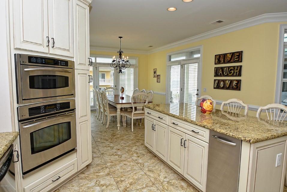 West Ocean Palms Real Estate - http://cdn.resize.sparkplatform.com/ncr/1024x768/true/20170623230509199637000000-o.jpg