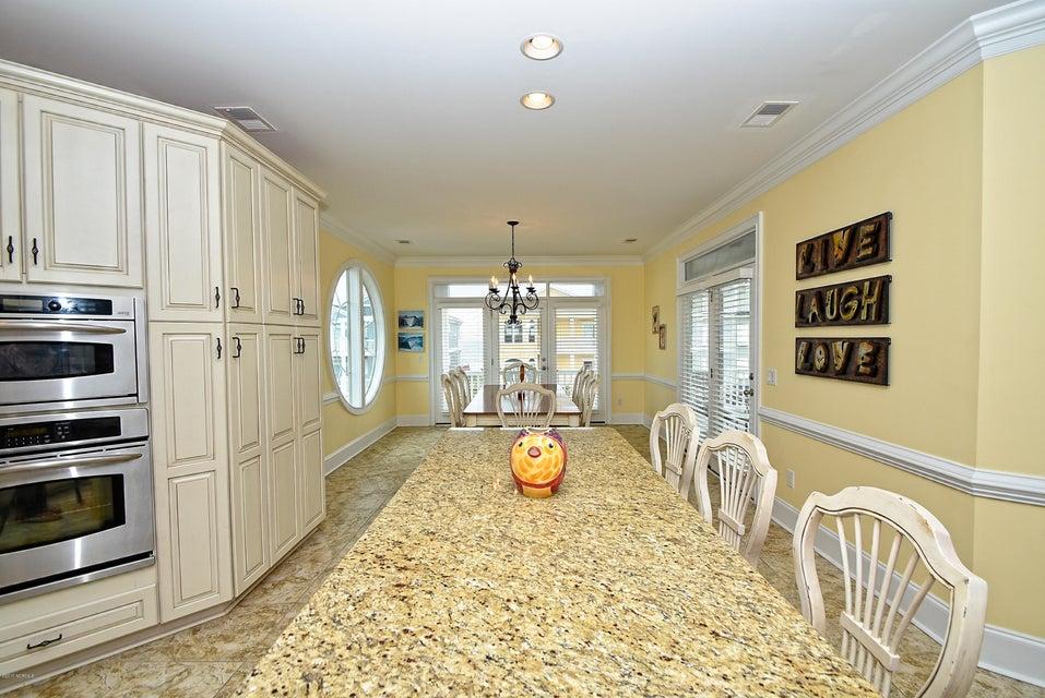 West Ocean Palms Real Estate - http://cdn.resize.sparkplatform.com/ncr/1024x768/true/20170623230805928467000000-o.jpg