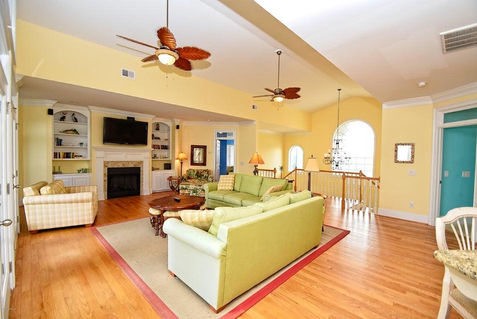 West Ocean Palms Real Estate - http://cdn.resize.sparkplatform.com/ncr/1024x768/true/20170623230846883489000000-o.jpg