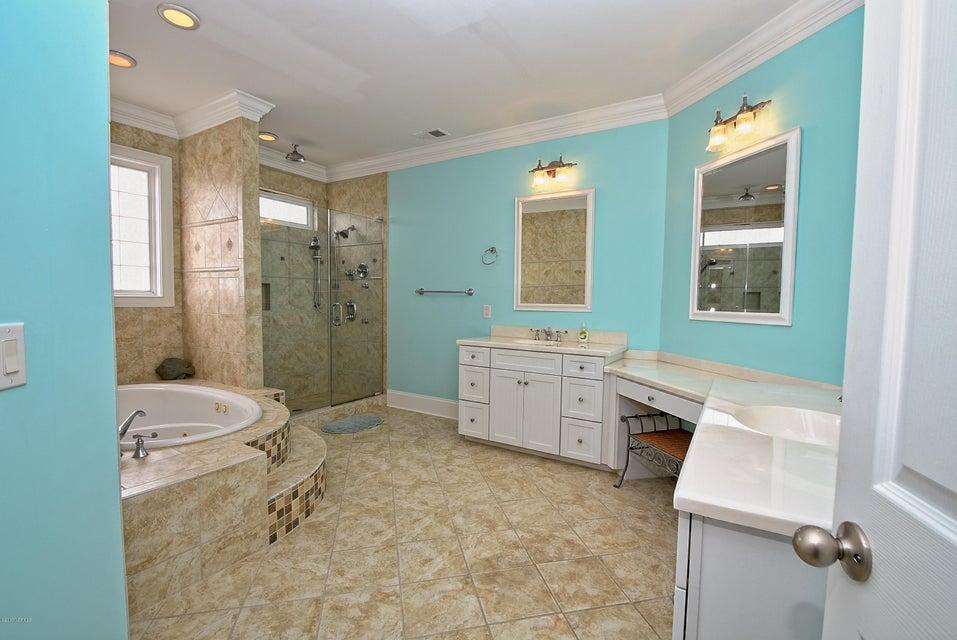 West Ocean Palms Real Estate - http://cdn.resize.sparkplatform.com/ncr/1024x768/true/20170623231226512740000000-o.jpg