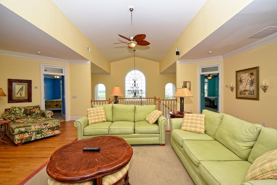 West Ocean Palms Real Estate - http://cdn.resize.sparkplatform.com/ncr/1024x768/true/20170623231445907456000000-o.jpg