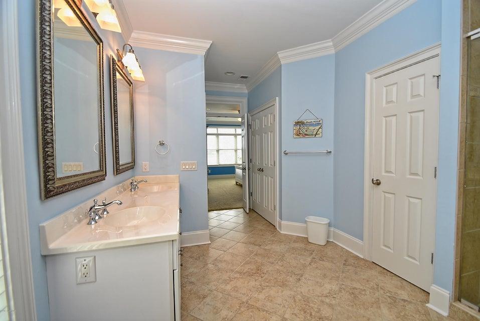 West Ocean Palms Real Estate - http://cdn.resize.sparkplatform.com/ncr/1024x768/true/20170623233236710003000000-o.jpg