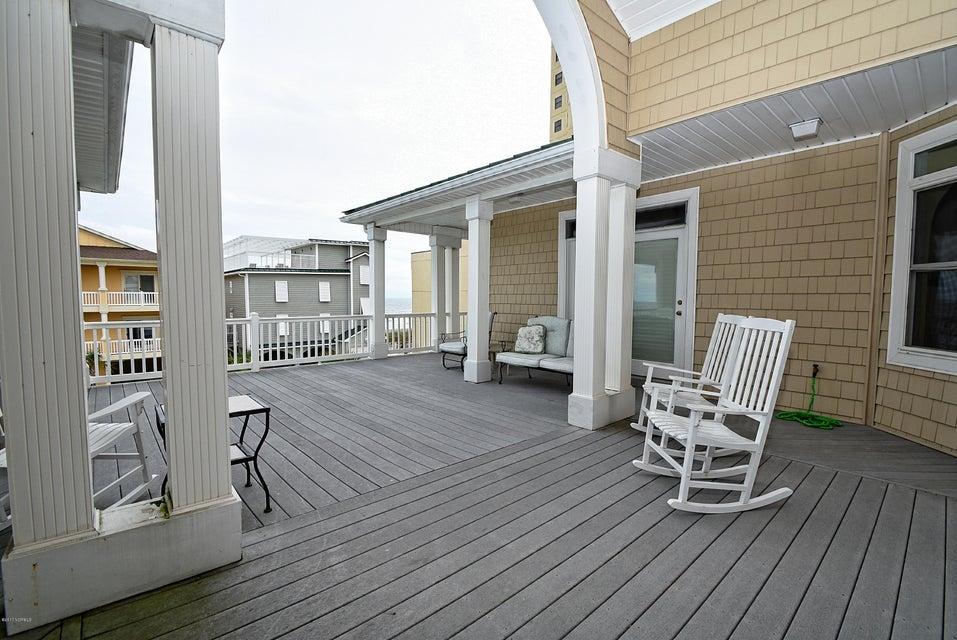 West Ocean Palms Real Estate - http://cdn.resize.sparkplatform.com/ncr/1024x768/true/20170623233600775997000000-o.jpg