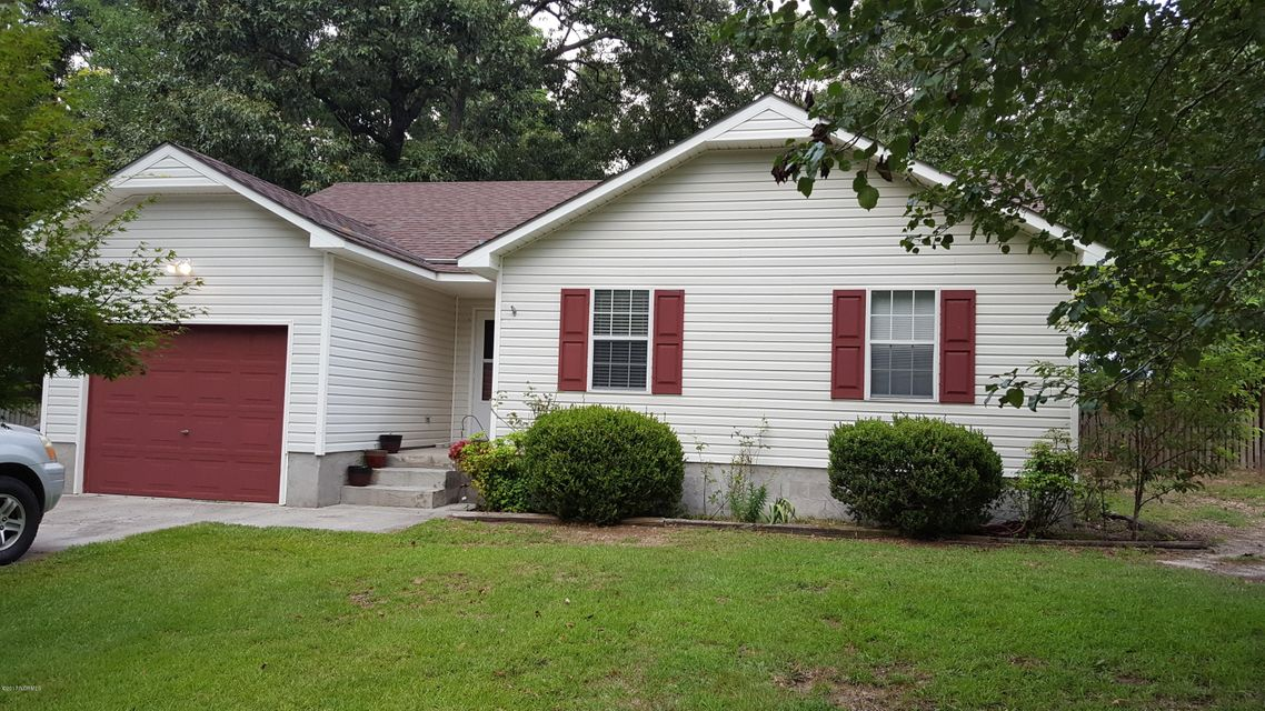 107 Carriage Hills Ct., Richlands, NC 28574