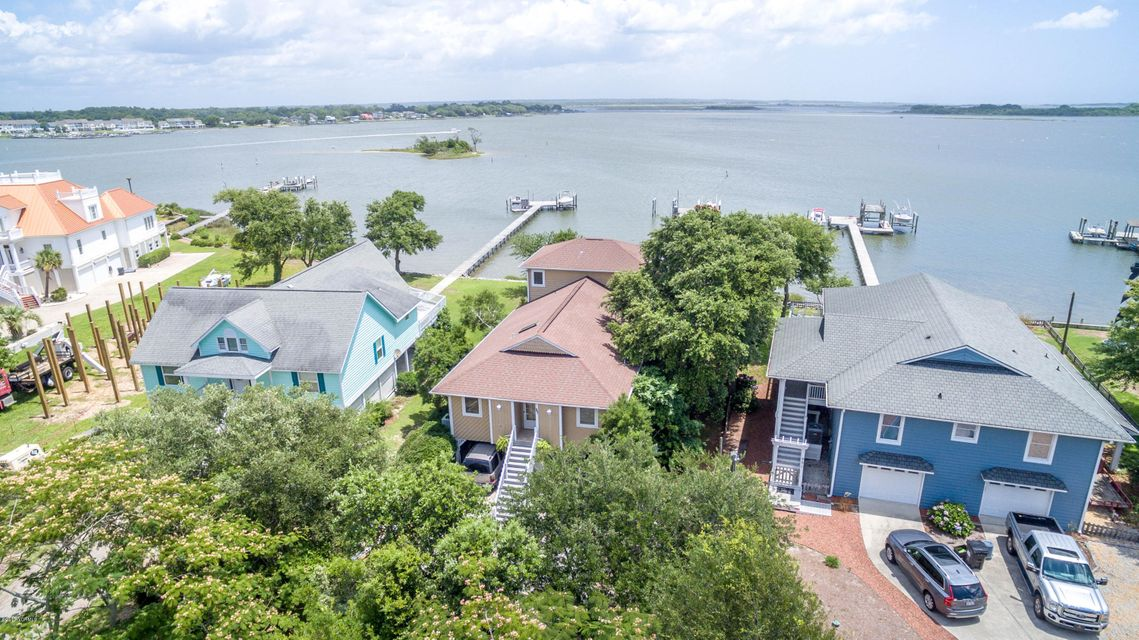 947 Chadwick Shores Drive, Sneads Ferry, NC 28460