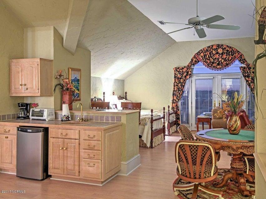Shell Island Village Real Estate - http://cdn.resize.sparkplatform.com/ncr/1024x768/true/20170701011915142035000000-o.jpg