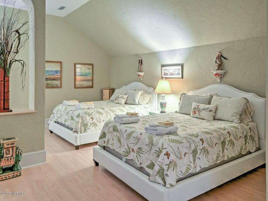 Shell Island Village Real Estate - http://cdn.resize.sparkplatform.com/ncr/1024x768/true/20170701011943982918000000-o.jpg