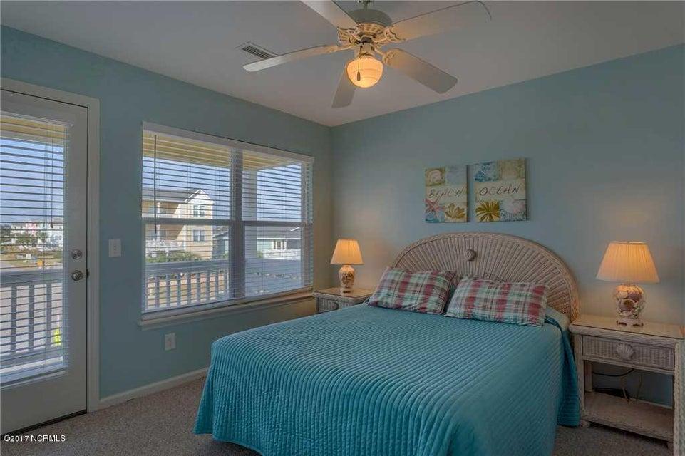 Harbor Acres Real Estate - http://cdn.resize.sparkplatform.com/ncr/1024x768/true/20170701193836737823000000-o.jpg