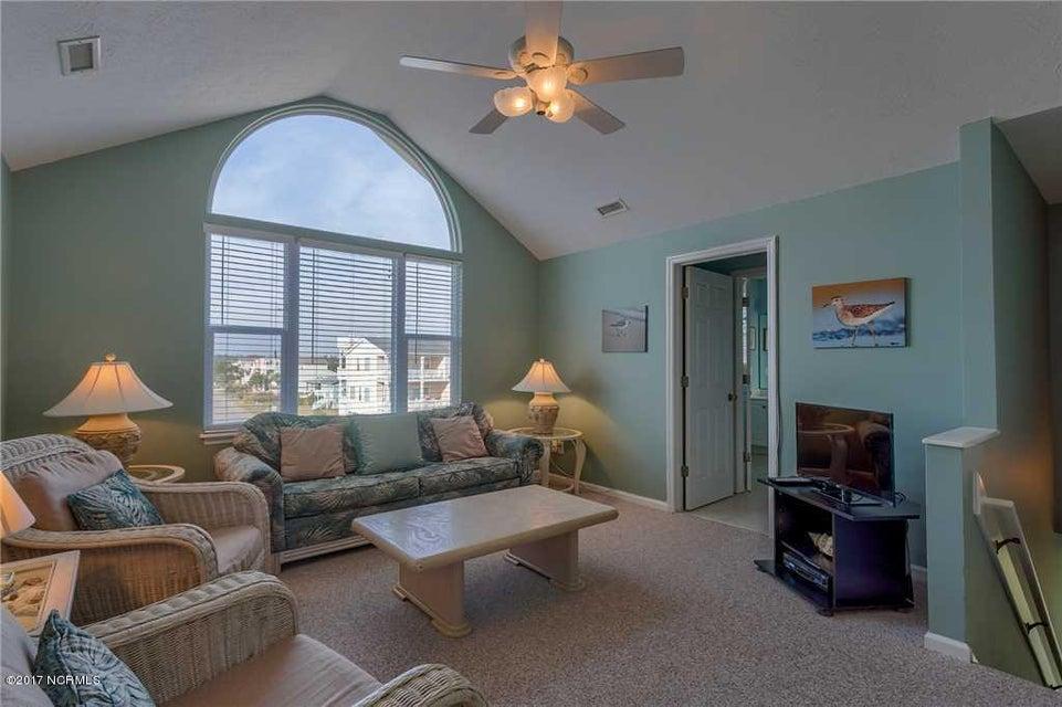 Harbor Acres Real Estate - http://cdn.resize.sparkplatform.com/ncr/1024x768/true/20170701193841784201000000-o.jpg