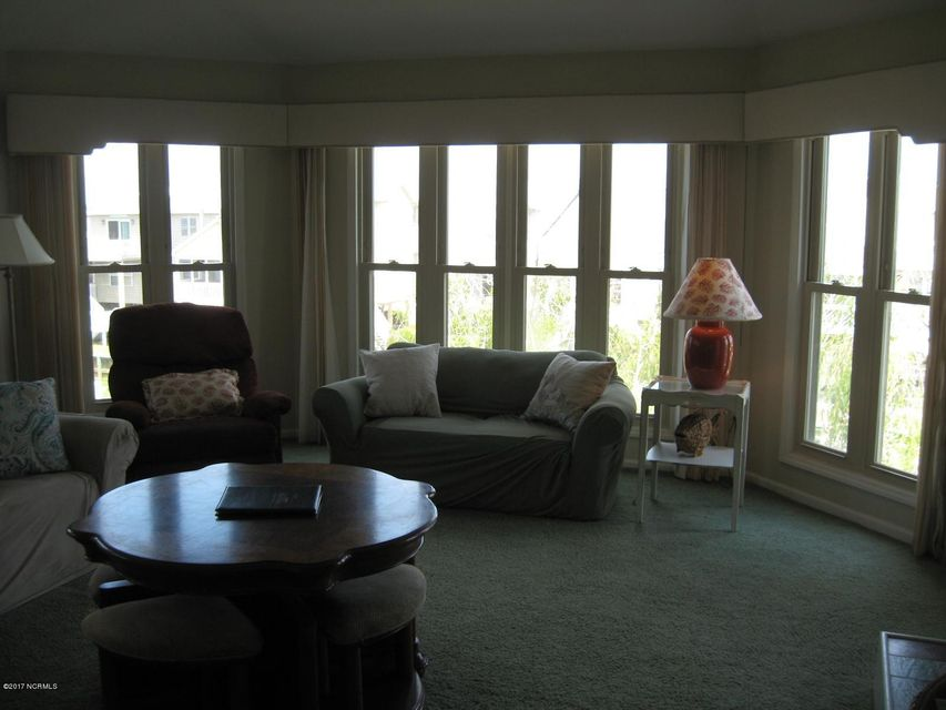 Sunset Beach Real Estate - http://cdn.resize.sparkplatform.com/ncr/1024x768/true/20170702041351022443000000-o.jpg
