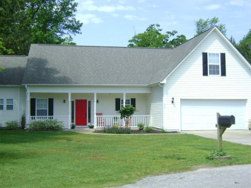 400 Whirlaway Boulevard, Sneads Ferry, NC 28460