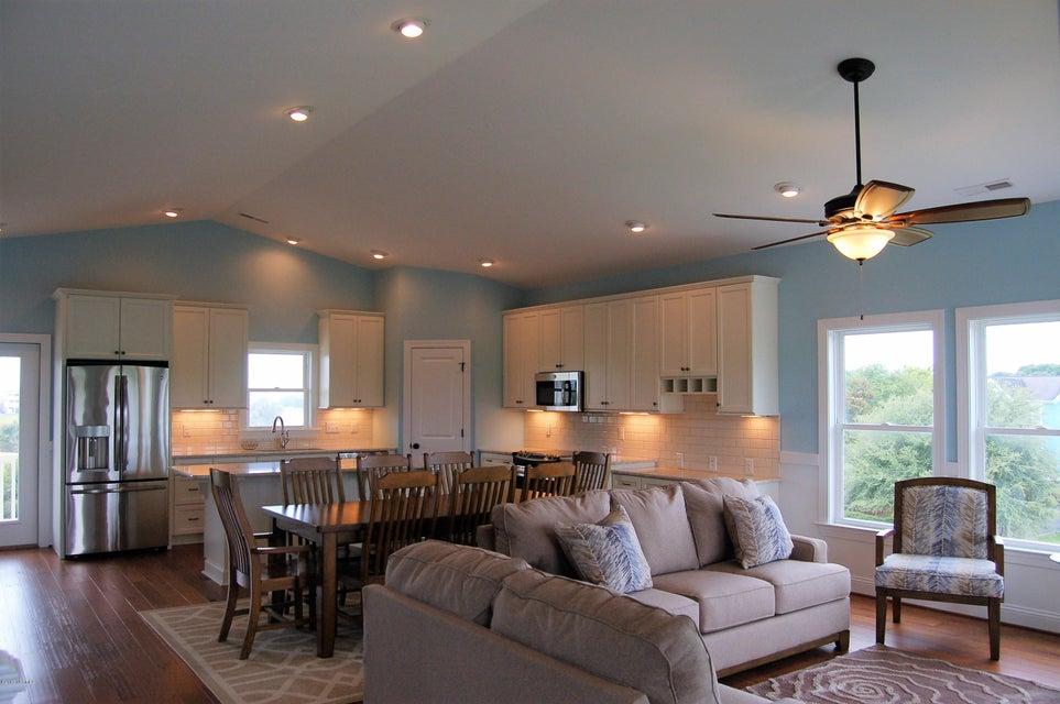 Heron Landing Real Estate - http://cdn.resize.sparkplatform.com/ncr/1024x768/true/20170711170424609597000000-o.jpg