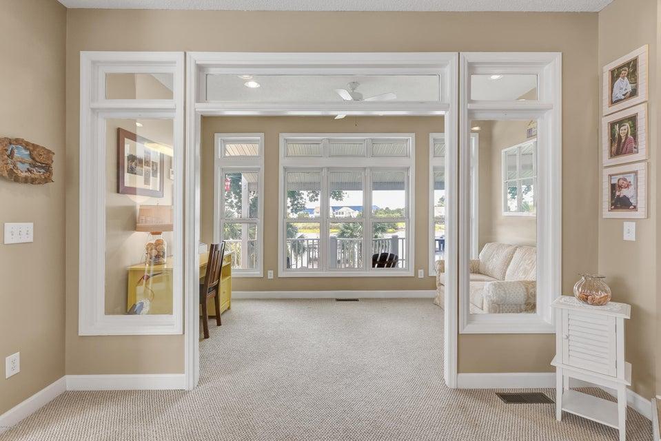 Tranquil Harbor Real Estate - http://cdn.resize.sparkplatform.com/ncr/1024x768/true/20170712143712117663000000-o.jpg