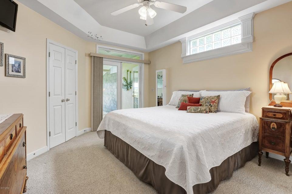 Tranquil Harbor Real Estate - http://cdn.resize.sparkplatform.com/ncr/1024x768/true/20170712143806913044000000-o.jpg