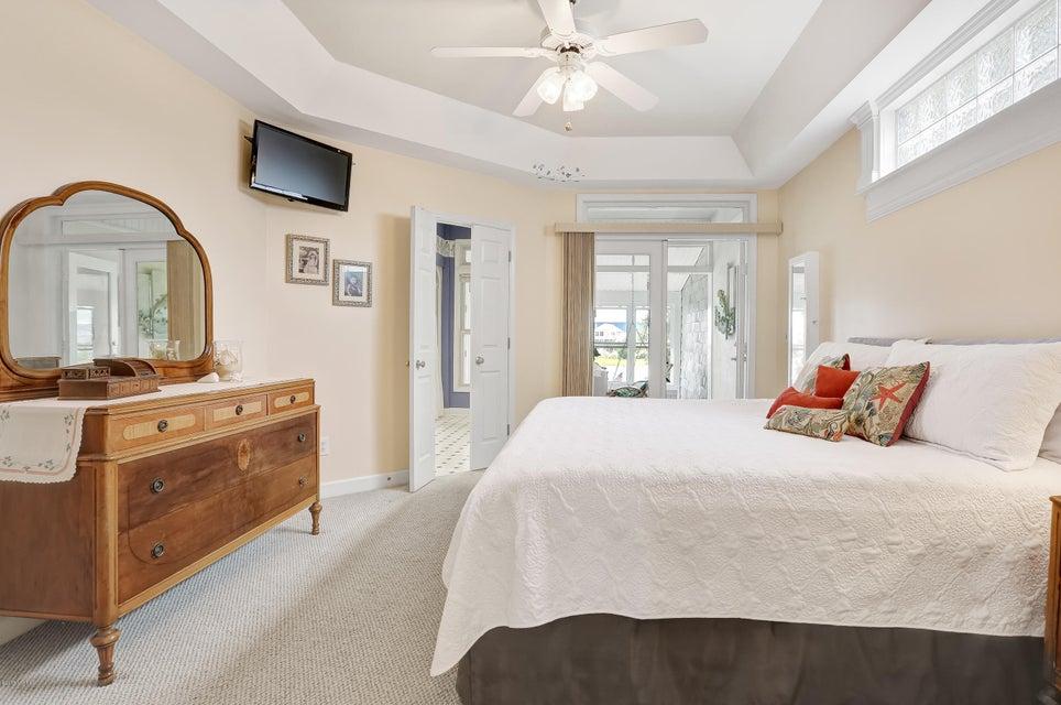Tranquil Harbor Real Estate - http://cdn.resize.sparkplatform.com/ncr/1024x768/true/20170712143810912350000000-o.jpg