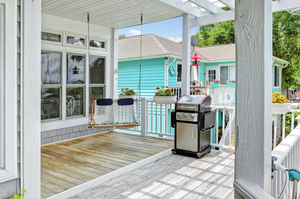Tranquil Harbor Real Estate - http://cdn.resize.sparkplatform.com/ncr/1024x768/true/20170712143932075398000000-o.jpg