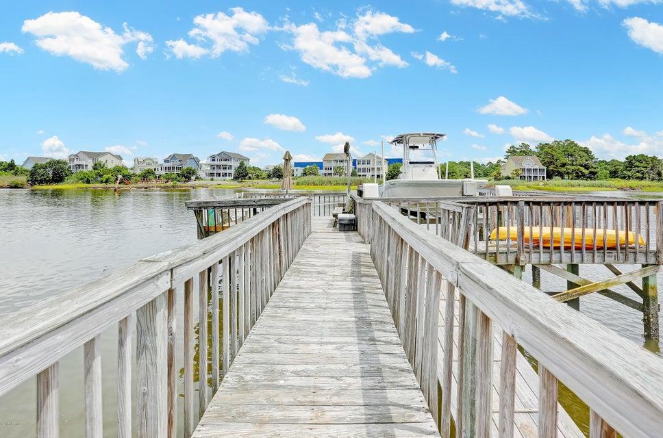 Tranquil Harbor Real Estate - http://cdn.resize.sparkplatform.com/ncr/1024x768/true/20170712144417366784000000-o.jpg