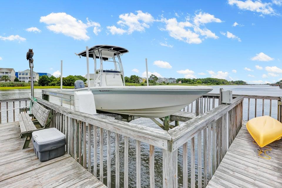 Tranquil Harbor Real Estate - http://cdn.resize.sparkplatform.com/ncr/1024x768/true/20170712144424178432000000-o.jpg