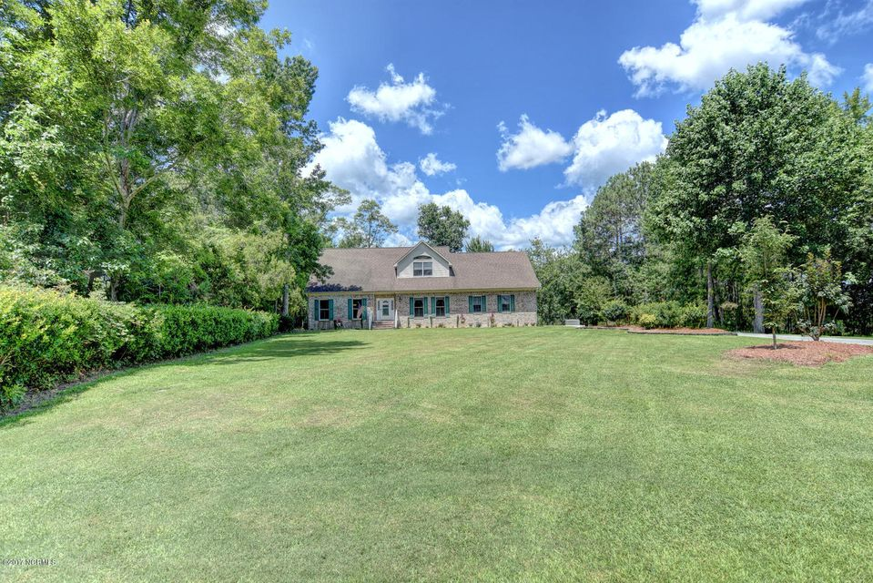 800 Willbrook Circle, Sneads Ferry, NC 28460