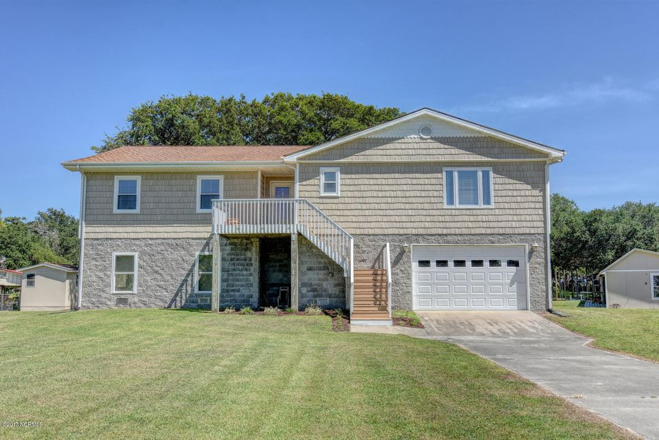 119 Canal Drive, Sneads Ferry, NC 28460