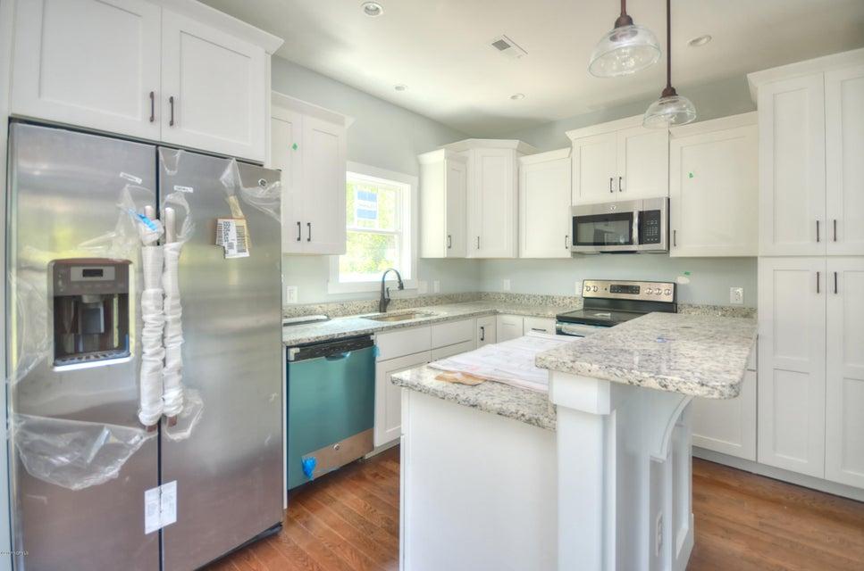 Tranquil Harbor Real Estate - http://cdn.resize.sparkplatform.com/ncr/1024x768/true/20170723172202800034000000-o.jpg