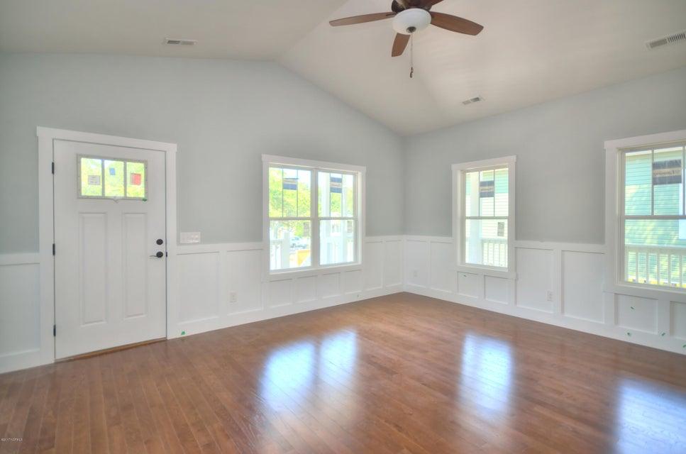 Tranquil Harbor Real Estate - http://cdn.resize.sparkplatform.com/ncr/1024x768/true/20170723172204282545000000-o.jpg
