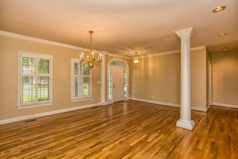 Porters Neck Plantation Real Estate - http://cdn.resize.sparkplatform.com/ncr/1024x768/true/20170724133936021449000000-o.jpg