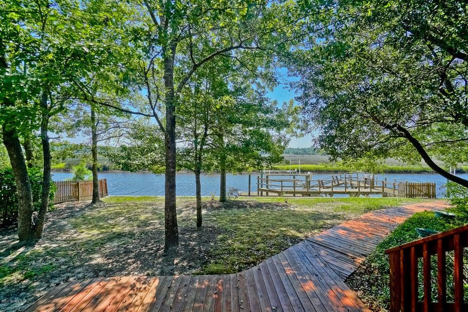 Winding River Plantation Real Estate - http://cdn.resize.sparkplatform.com/ncr/1024x768/true/20170724143622933754000000-o.jpg