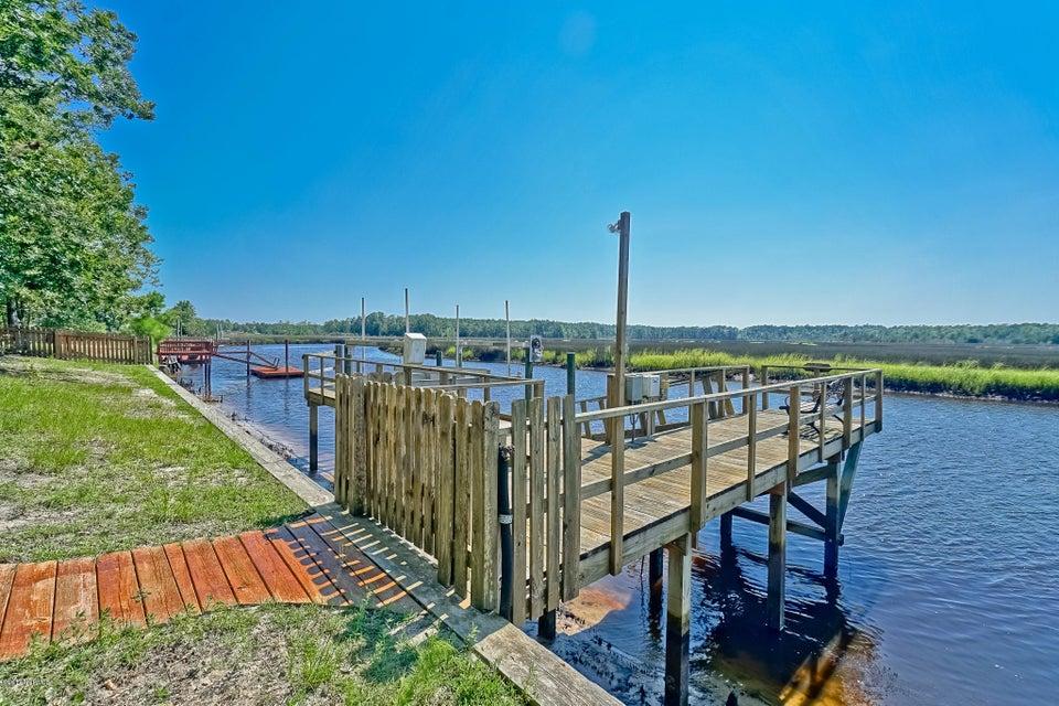 Winding River Plantation Real Estate - http://cdn.resize.sparkplatform.com/ncr/1024x768/true/20170724143625145471000000-o.jpg
