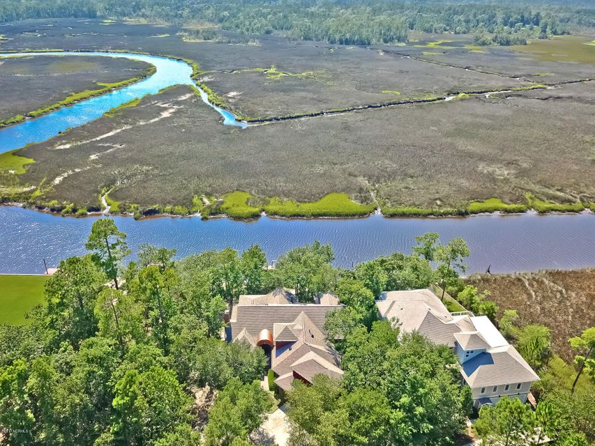 Winding River Plantation Real Estate - http://cdn.resize.sparkplatform.com/ncr/1024x768/true/20170724143627065245000000-o.jpg