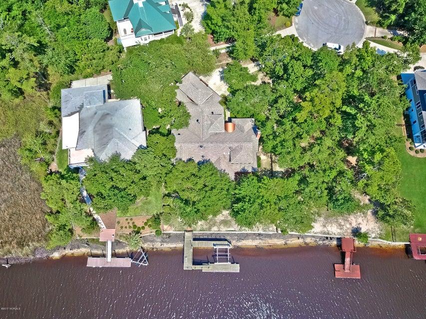 Winding River Plantation Real Estate - http://cdn.resize.sparkplatform.com/ncr/1024x768/true/20170724143634716945000000-o.jpg