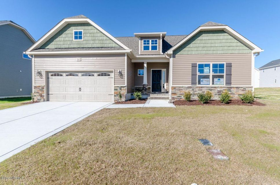 131 Oyster Landing Drive, Sneads Ferry, NC 28460