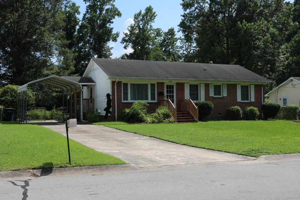 208 Puller Drive, Jacksonville, NC 28540