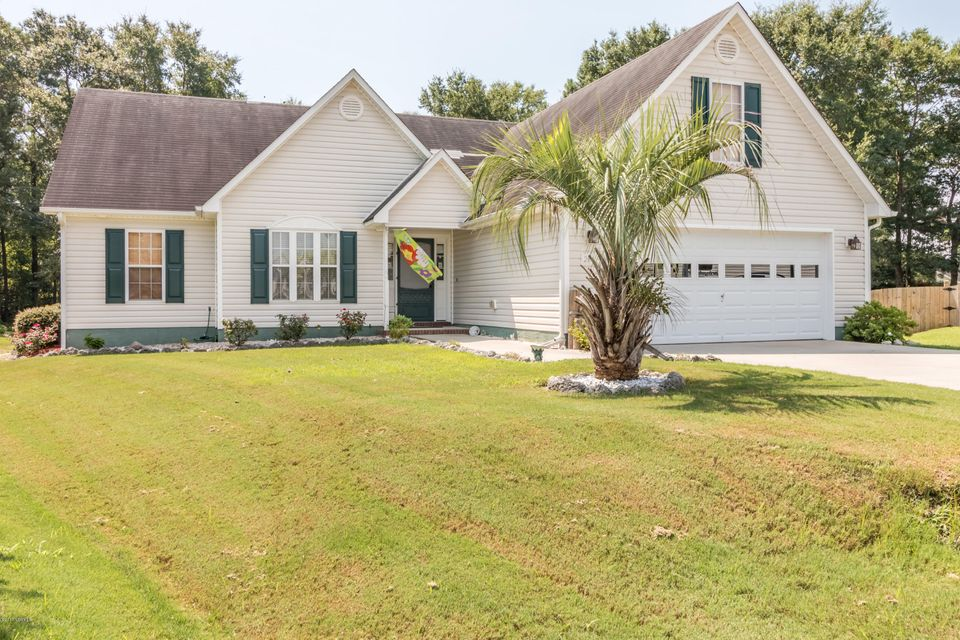 204 Vale Court, Sneads Ferry, NC 28460
