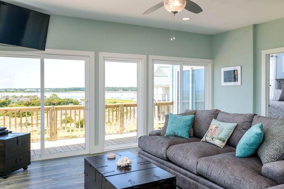 Harbor at Kings Lynn Real Estate - http://cdn.resize.sparkplatform.com/ncr/1024x768/true/20170726202639937912000000-o.jpg