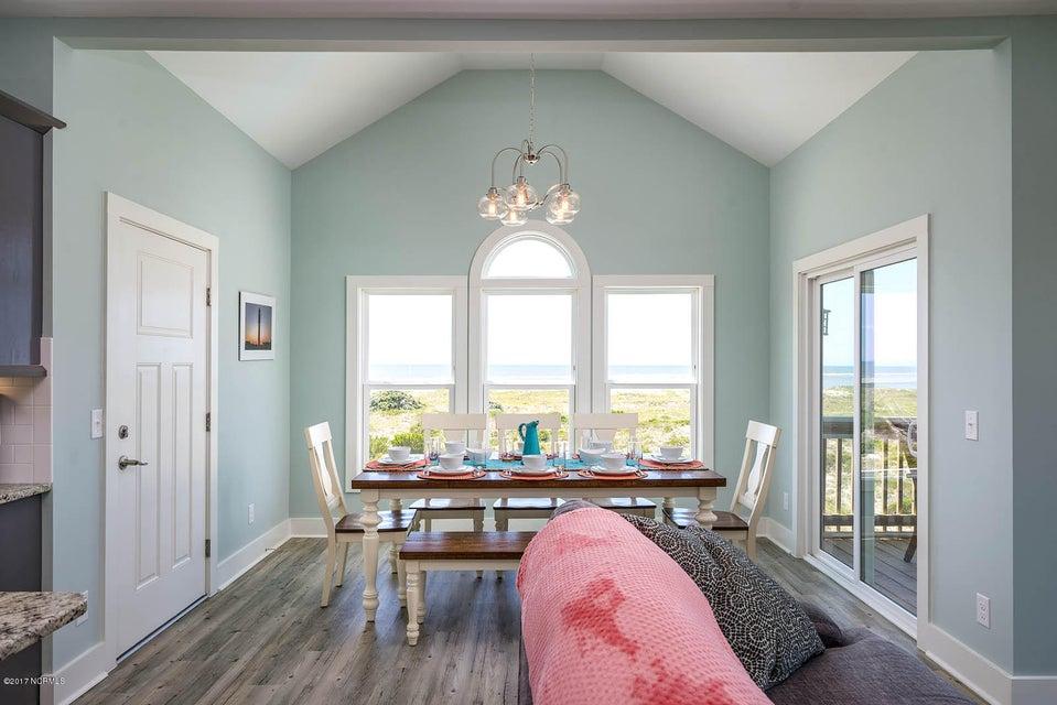Harbor at Kings Lynn Real Estate - http://cdn.resize.sparkplatform.com/ncr/1024x768/true/20170726202655357479000000-o.jpg
