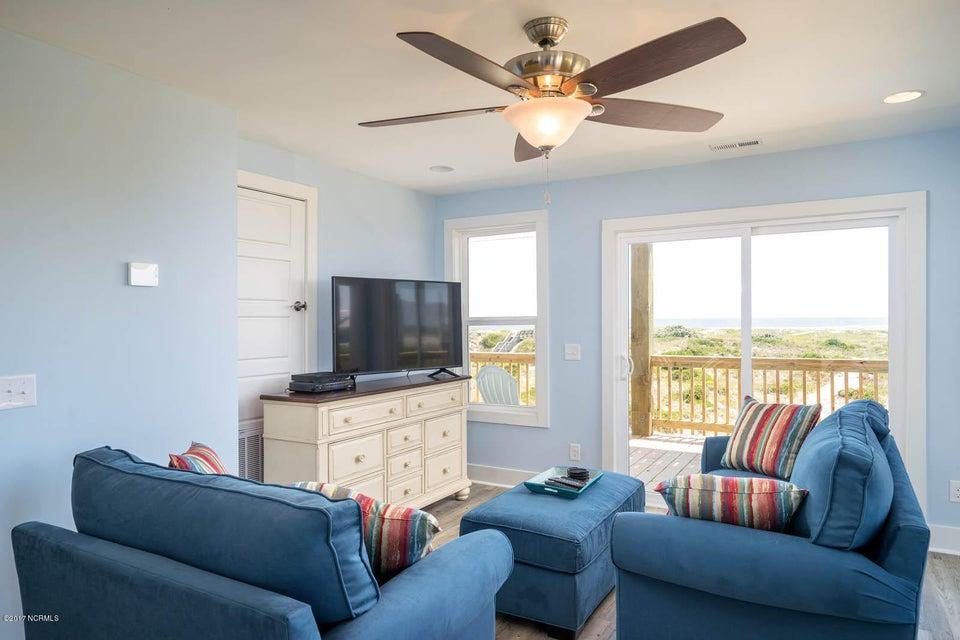 Harbor at Kings Lynn Real Estate - http://cdn.resize.sparkplatform.com/ncr/1024x768/true/20170726202710623819000000-o.jpg
