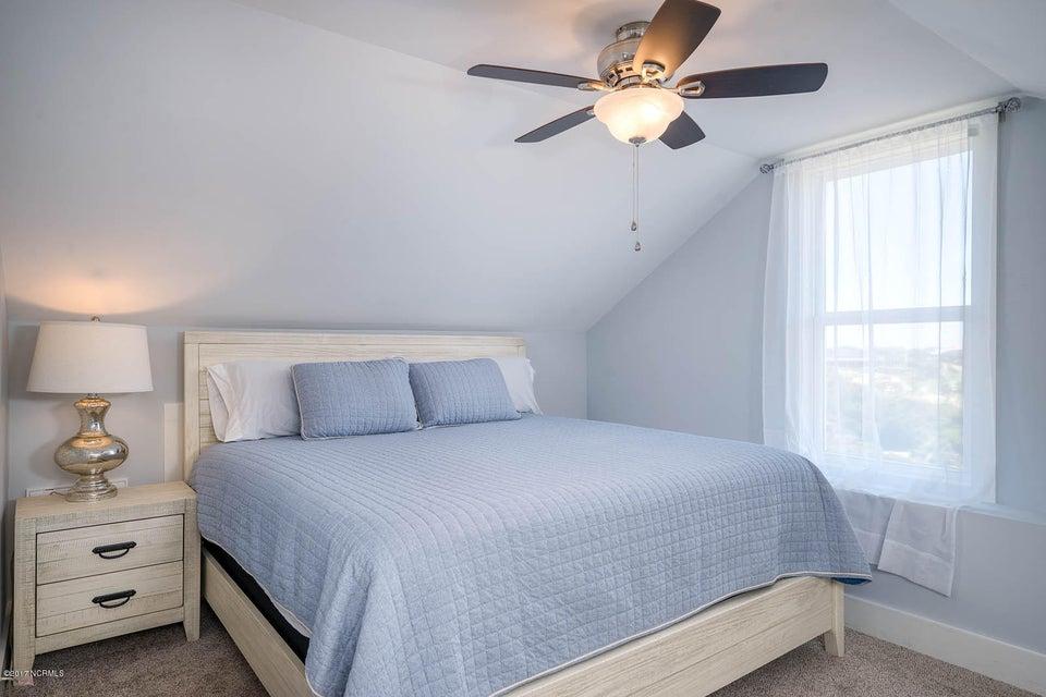 Harbor at Kings Lynn Real Estate - http://cdn.resize.sparkplatform.com/ncr/1024x768/true/20170726202725650864000000-o.jpg
