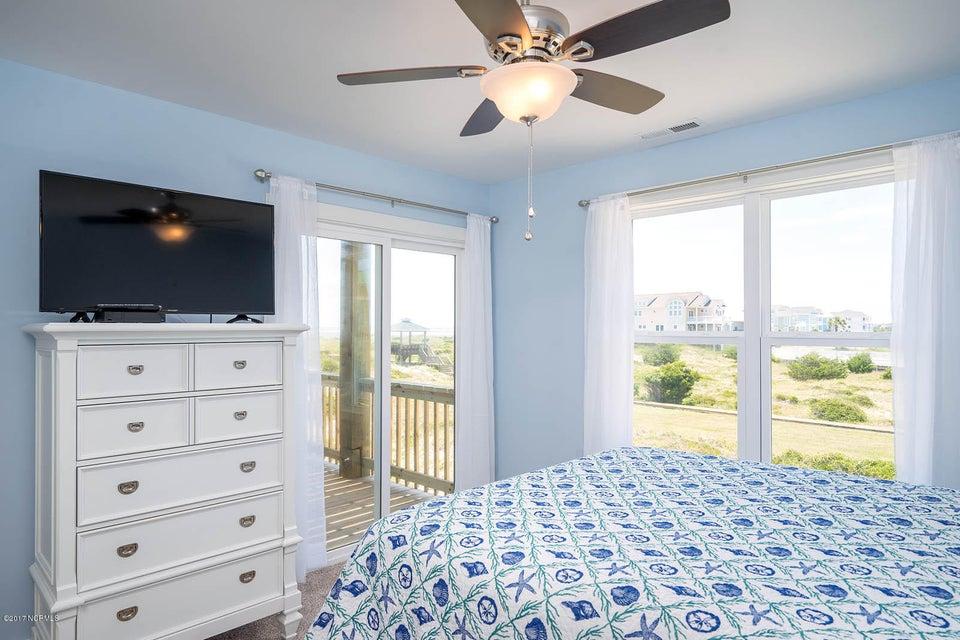 Harbor at Kings Lynn Real Estate - http://cdn.resize.sparkplatform.com/ncr/1024x768/true/20170726202744835425000000-o.jpg