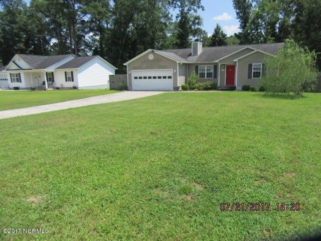 105 Pear Tree Lane, Richlands, NC 28574
