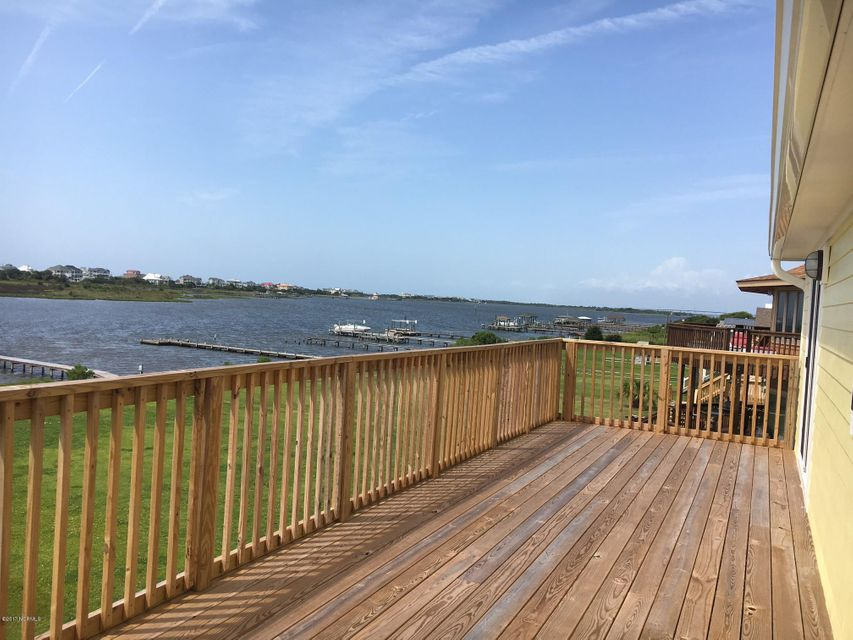 317 Waterway Drive, Sneads Ferry, NC 28460