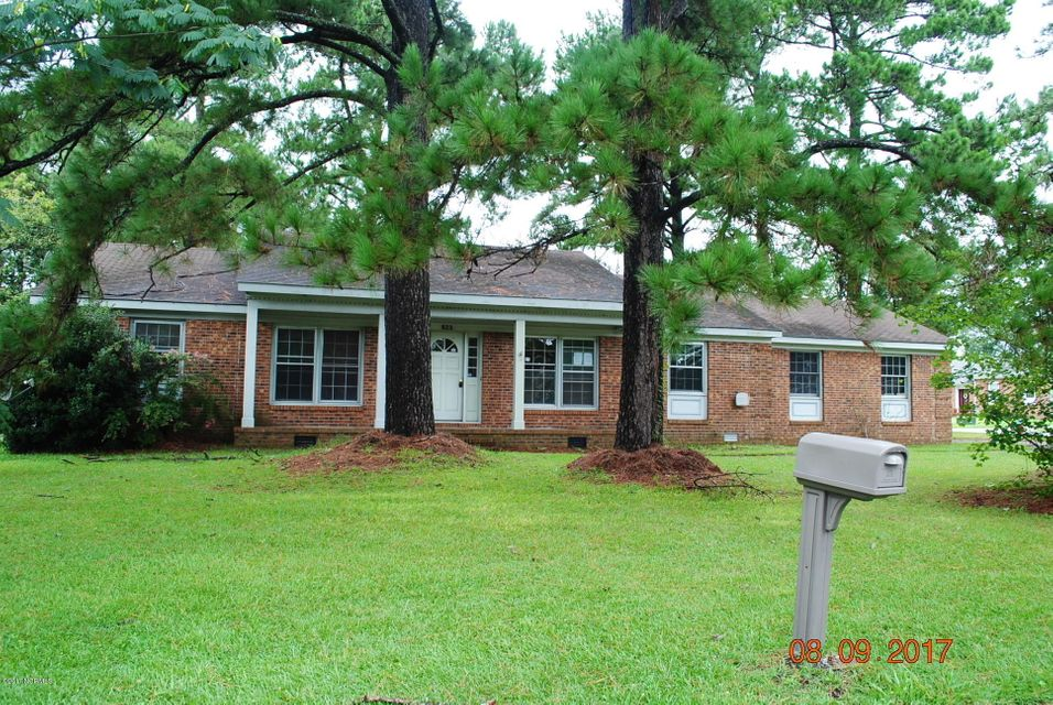 823 Oakwood Avenue, Jacksonville, NC 28546