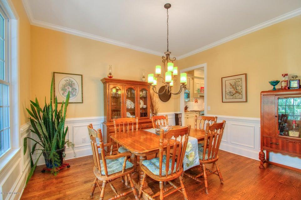 Harbor Oaks Real Estate - http://cdn.resize.sparkplatform.com/ncr/1024x768/true/20170817185032796802000000-o.jpg